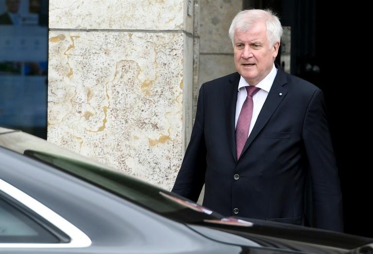 Seehofer wirbt weiter für Ausweitung direkter Demokratie in Deutschland (© 2016 AFP)