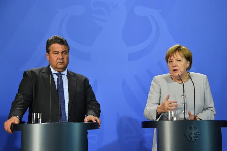 """""""Politbarometer"""": Union und SPD legen leicht zu (© 2016 AFP)"""