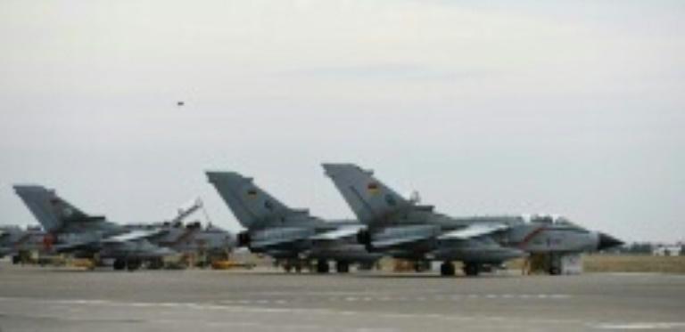 Von der Leyen kritisiert Besuchsverbot für Luftwaffenstützpunkt in der Türkei (© 2016 AFP)