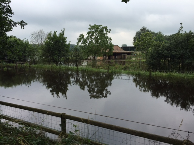 Überörtliche Hilfe bei Hochwasser in Isselburg (Foto: Feuerwehr Düsseldorf)