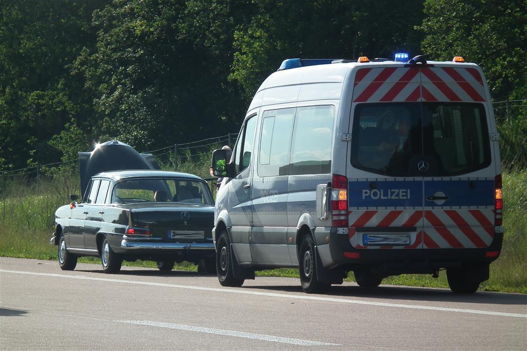 Damit der Wagen unterwegs, insbesondere bei längeren Touren, nicht schlapp macht, empfiehlt es sich, das Fahrzeug zuvor gründlich durchchecken zu lassen (Foto: xity)