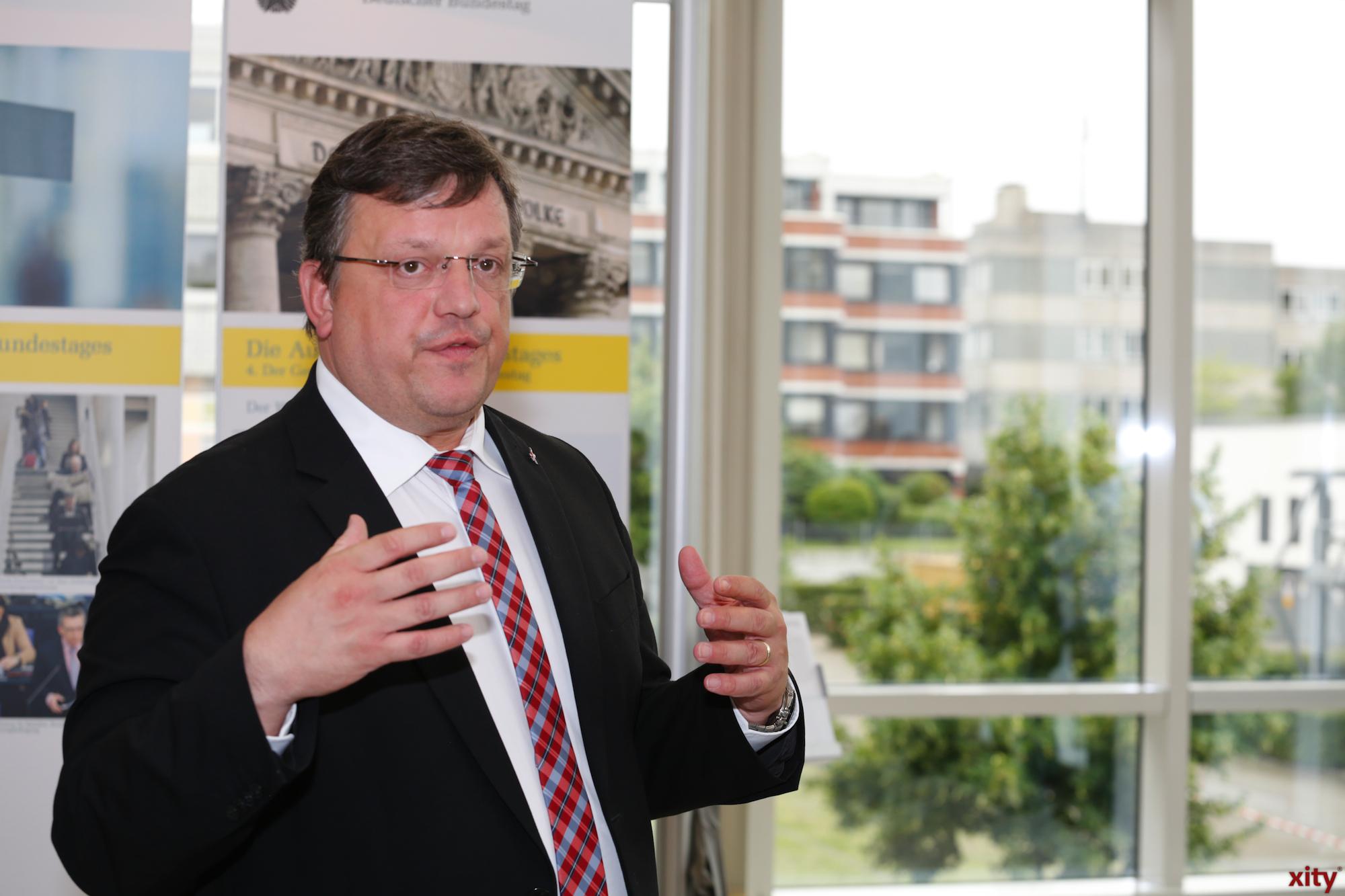 Andreas Rimkus brachte die Ausstellung nach Düsseldorf (Foto: xity)