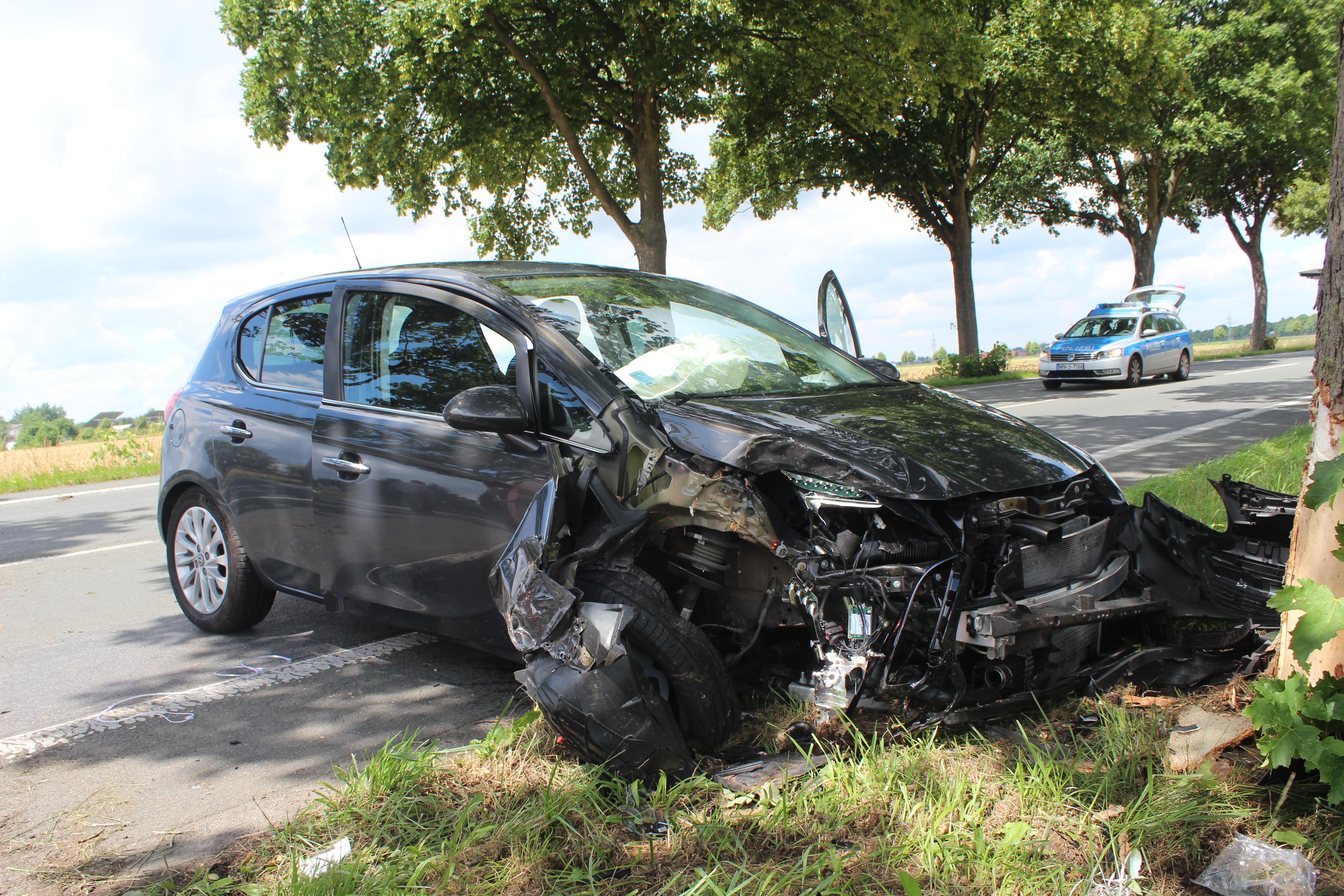 Drei Schwerverletzte nach Alleinunfall (Foto: OTS)