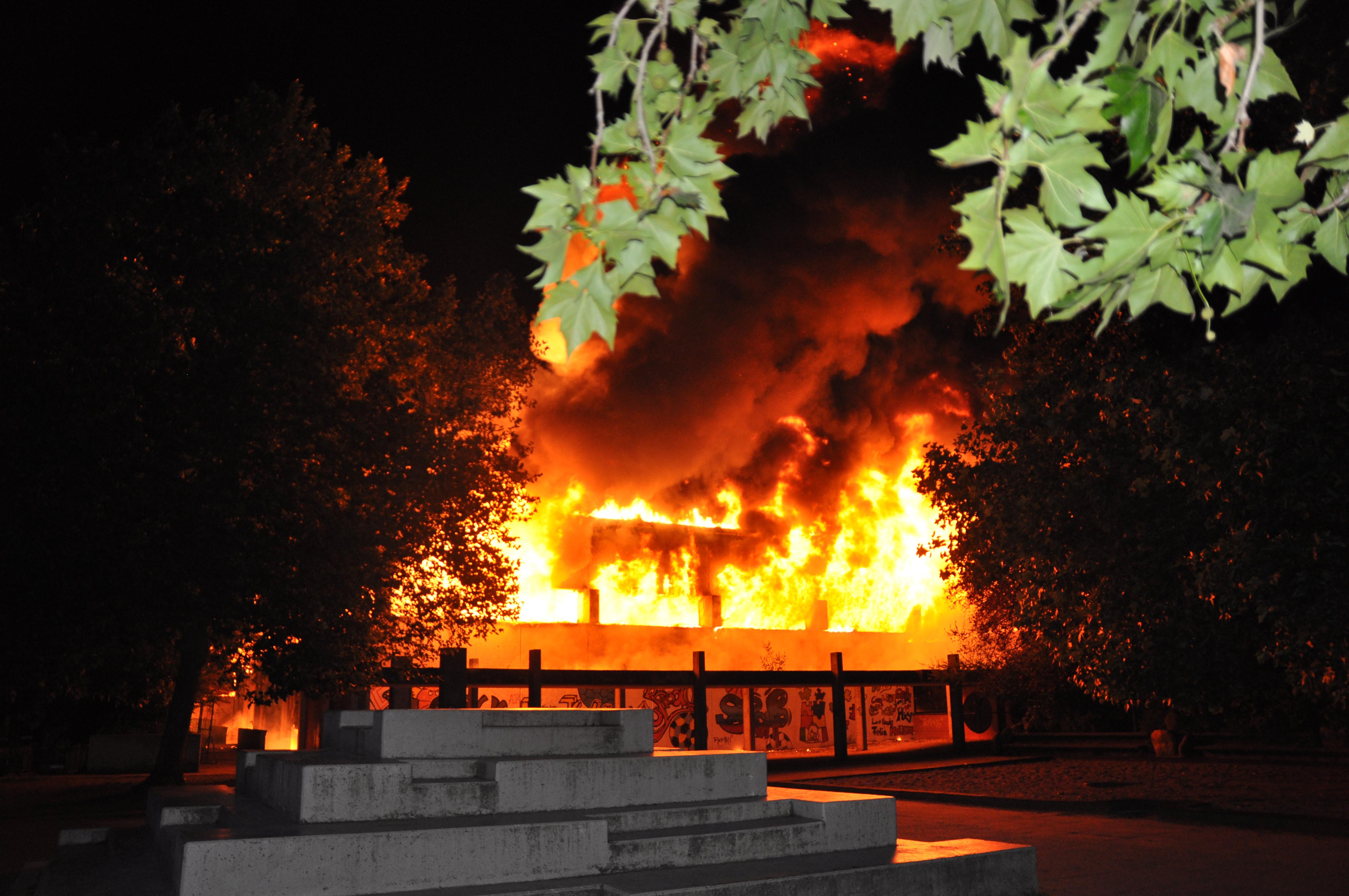 Brand einer Sporthalle (Foto: OTS)