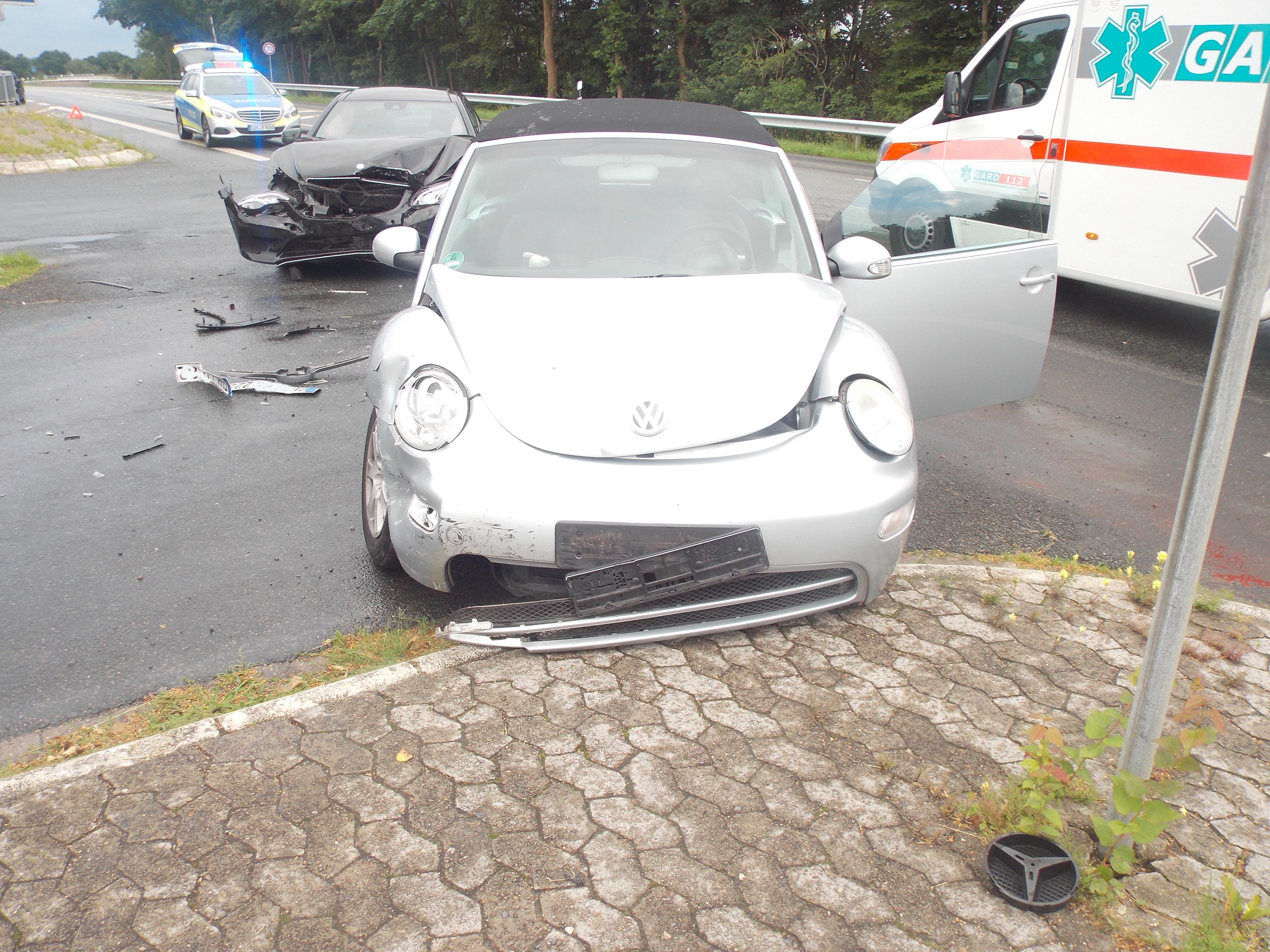 Am Donnerstagabend, des 30. Juni 2016 gegen 20:15 Uhr kam es in Debstedt zu einem Unfall mit zwei leicht Verletzten (Foto: OTS)