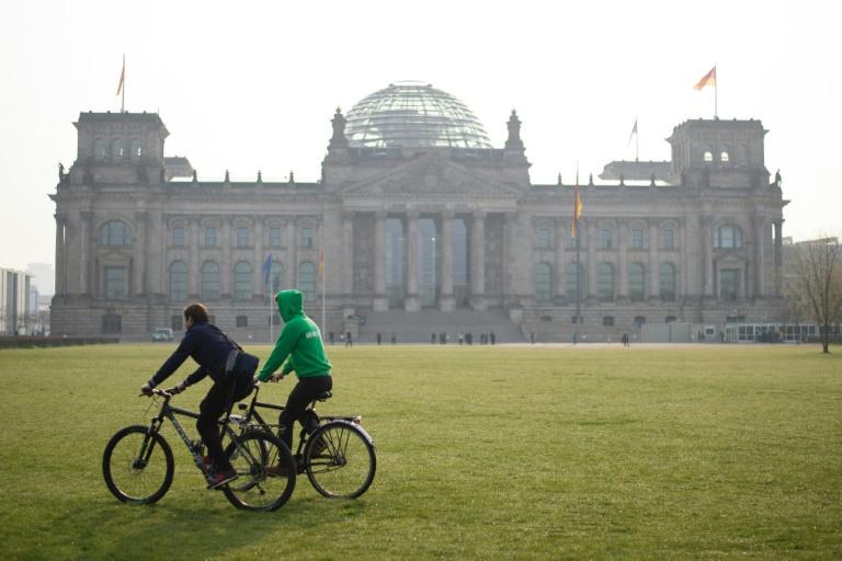 Leihfahrräder statt Fahrdienst für Bundestagsabgeordnete gefordert (© 2016 AFP)
