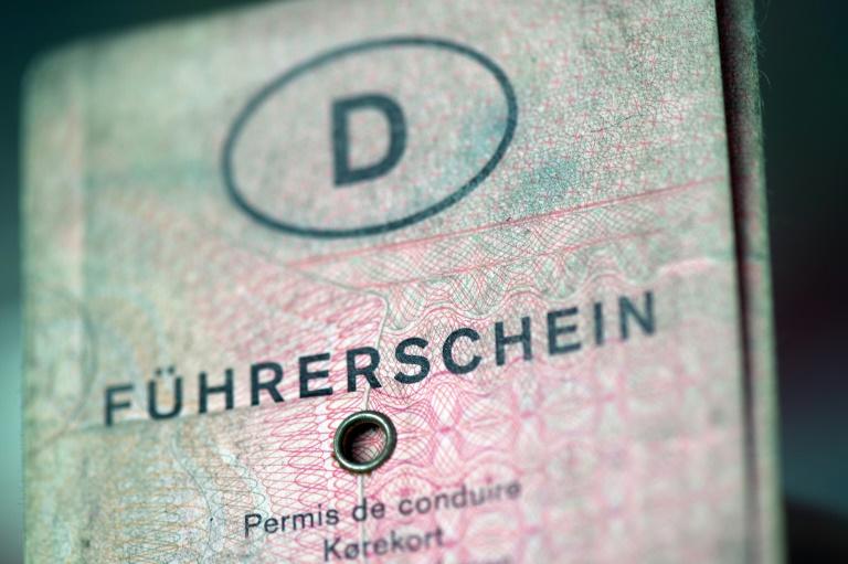 Kommunen gegen Vorziehen der Umtausch-Pflicht für Führerscheine (© 2016 AFP)