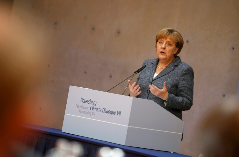 Merkel sichert deutsche Ratifizierung von UN-Klimaschutzabkommen bis November zu (© 2016 AFP)