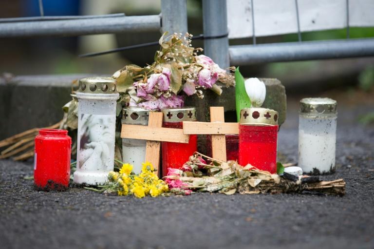 Ermittler beenden Tatortarbeit in Haus der Verdächtigen von Höxter (© 2016 AFP)