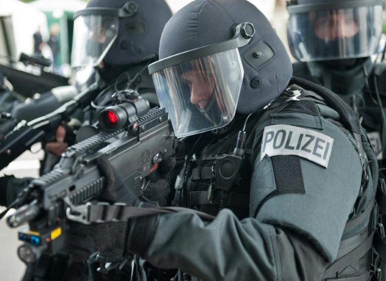 Mann in Rheinland-Pfalz unter IS-Terrorverdacht festgenommen (© 2016 AFP)