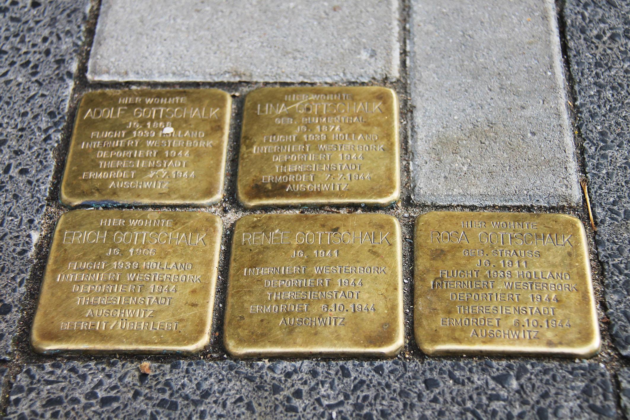 Neue Stolpersteine von Gunter Demnig in Bochum (Foto: xity)